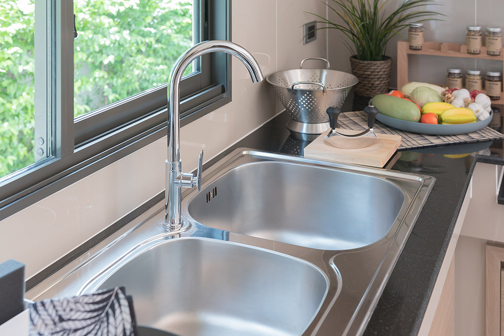 kitchen-sinks-4-common-problems-and-how-to-solve-them